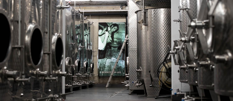 Tijdens onze rondleiding neemt u ook een kijkje in de wijnkelder